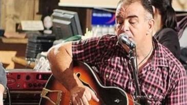 Un cunoscut cantaret din Romania a murit. S-a stins din viata la 51 de ani
