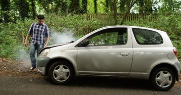 I s-a stricat masina, dar nu a vrut sa intarzie la munca! Ce a facut apoi a devenit viral!