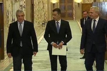 Gafe si balbaieli la ceremonia de investire a noului Guvern. Cum a decurs prima sedinta a Executivului