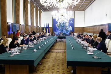 CCR: Legea de abilitare a Guvernului de a emite ordonante in vacanta parlamentara, constitutionala