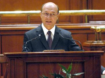 Basescu a cerut timp de la PSD pentru a vorbi mai mult. Dragnea: Numai in Romania te poate injura unul pe timpul tau