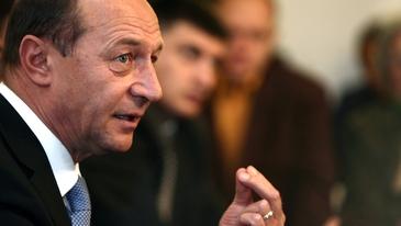 19 presedinti de organizatii PMP au schimbati si numiti presedinti interimari. Basescu: functia mea e greu de preluat