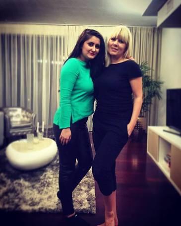 """Otilia Androne, fosta sefa de cabinet a Elenei Udrea, o admira enorm pe celebra blonda: """"Un om minunat, de la care am invatat foarte multe lucruri, care mi-au prins bine in viata!"""""""
