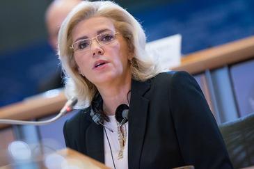 """Critici pentru Romania de la comisarul european pentru politica regionala: """"E singura tara care mai face asta"""""""