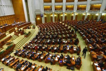 Parlamentul va incepe maine dezbaterile si votul asupra noului Guvern Tudose