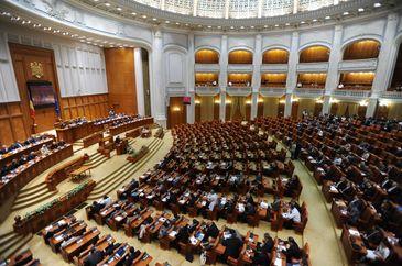 Scandal urias in Parlament: Alesii USR sustin ca au fost amenintati cu moartea de cei de la PSD