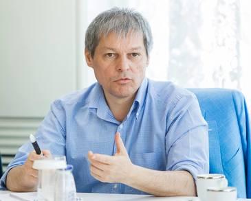 """Dacian Ciolos isi face partid: """"Vom fi gata sa ne prezentam la urmatoarele alegeri cu o oferta politica, indiferent cand vor avea ele loc"""""""