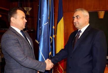 """Ministrul Educatiei, caracterizat ca """"exaltat hormonal"""" de fostul rector al UTI Iasi! Valentin Popa a facut mare scandal"""