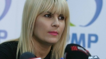 Elena Udrea, probleme cu sarcina. Medicul i-a recomandat repaus la pat pentru o perioada mai lunga. E posibil sa fi pierdut unul dintre gemeni!