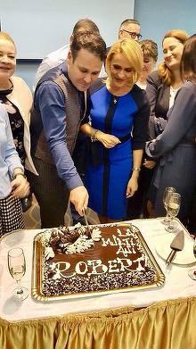 Ce tort a primit Robert Negoita de ziua lui! Gabriela Firea a fost cea care i-a facut surpriza cea mare primarului Sectorului 3
