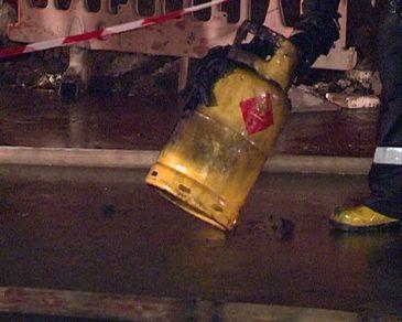 3.000 de butelii au sarit in aer. Explozii in masa si panica printre locuitori
