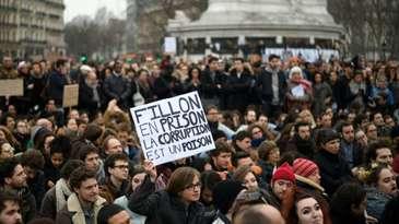 Manifestatii importante, inspirate de cele din Romania, au avut loc duminica in mai multe orase ale Frantei