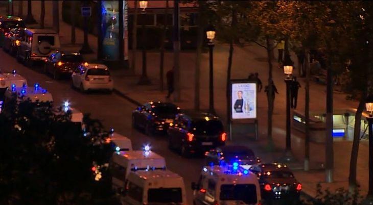Focuri de arma la Paris, pe Champs-Élysées. Un politist a fost ucis si doi raniti. Atacatorul a fost impuscat