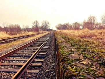 Tragedie in Italia! O romanca de 16 ani a murit sub rotile unui tren, dupa o cearta cu iubitul