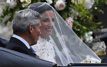 Nunta anului 2017. Cum a aratat Pippa Middleton, sora ducesei de Cambridge, in rochia de mireasa si ce au purtat membrii familiei regale