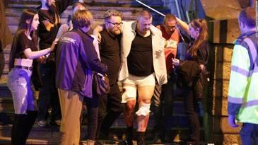 Baie de sange la un concert al Arianei Grande din Manchester Arena. 19 tineri au murit si alti 50 sunt raniti. Doua bombe au explodat langa stadion. Bilantul s-a ridicat la 22 de morti UPDATE