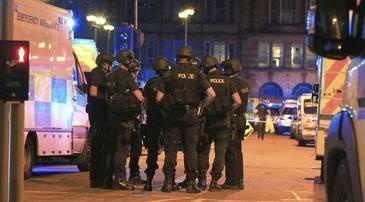 Jihadistii Statului Islamic au revendicat atentatul terorist de la Manchester Arena, in timp ce politistii anunta arestarea primului suspect