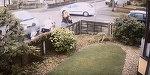 Horror! O mamica si cei doi copii ai ei, unul dintre ei in carucior, loviti de o masina scapata de sub control! Autoturismul i-a aruncat intr-un gard, iar micutii au fost prinsi sub roti!