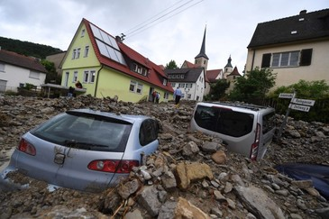 Cel putin 141 de persoane date disparute in China in urma unei alunecari de teren