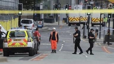 Atac armat in urma cu cateva momente in Manchester - Politia a reusit sa il imobilizeze pe agresor