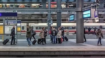 Un adolescent de 14 ani a blocat 3.000 de pasageri in mai multe gari din Franta