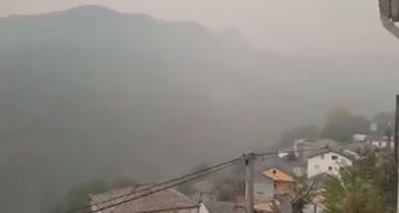 """O romanca a surprins incendiile care au mistuit Galicia, regiune din Spania! """"Aerul este irespirabil"""" Anca Codrescu lucreaza de doua zile la un restaurant din zona"""