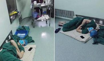 Imaginea care a cucerit internetul! Acest medic a adormit pe podea, dupa o tura de 28 de ore