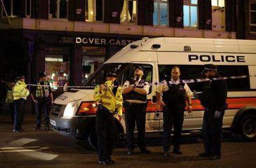 Cod ROSU la Londra! Un taxi a intrat in multime, la fel ca aseara la New York! Inca un atac terorist sperie lumea