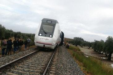 Cel putin 21 de raniti in sudul Spaniei, in urma deraierii unui vagon de tren