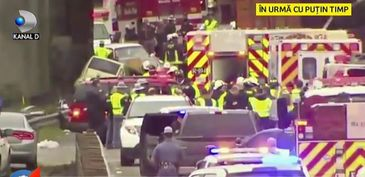 Tragedie in SUA! Un tren s-a rasturnat peste o autostrada - Mai multe masini au fost strivite! Nu se cunoaste numarul mortilor