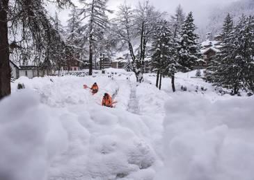 13.000 de turisti, blocati in statiunea alpina Zermatt in urma ninsorilor abundente
