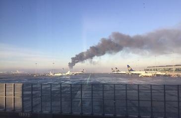 Incendiu devastator langa aeroportul din Dublin. Opt echipaje de salvare au sosit la fata locului