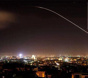 Atac in Siria, in aceasta dimineata! Primele imagini cu bombardamentul lansat de SUA, Marea Britanie si Franta