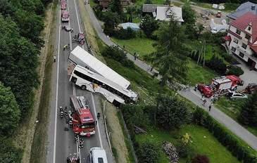 Accident TERIBIL! 43 de copii nevinovati au fost raniti, dupa ce autocarul care-i aducea din excursie a fost lovit de camion