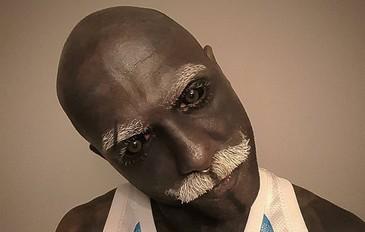 Dupa ce a invins cancerul si a devenit dependent de tatuaje, un barbat a mers la chirurg sa scape de organele genitale. Motivul este halucinant