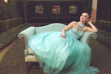 """Cancerul nu ma opreste sa fiu o printesa"", spune o tanara ale carei fotografii au inspirat oamenii din intreaga lume"
