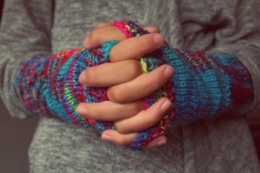 Ai picioarele si mainile reci constant? Desi pare un lucru minor, ai putea suferi de boala care afecteaza milioane de oameni
