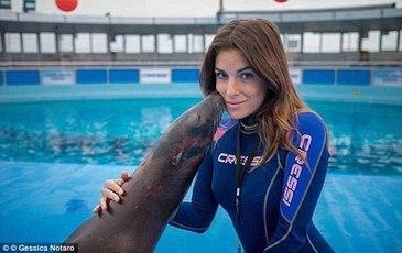 Fosta finalista la Miss Italia a postat prima fotografie dupa ce iubitul ei i-a distrus chipul cu acid