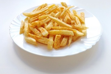 Iti plac cartofii prajiti? Iata cum poti sa ii gatesti ca sa fie si sanatosi!