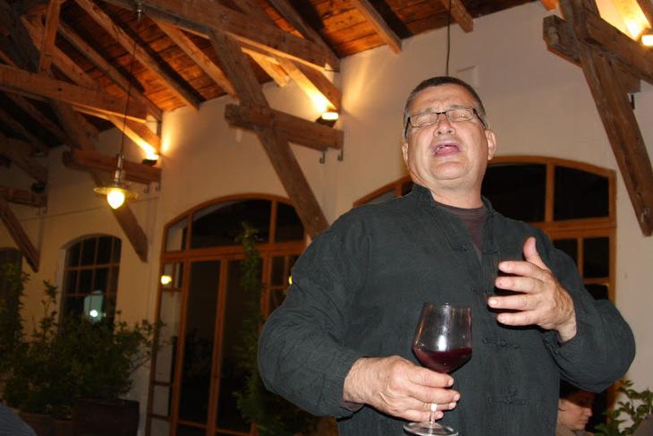 Mircea Dinescu pierde bani frumosi cu conacul lui de la Dunare!