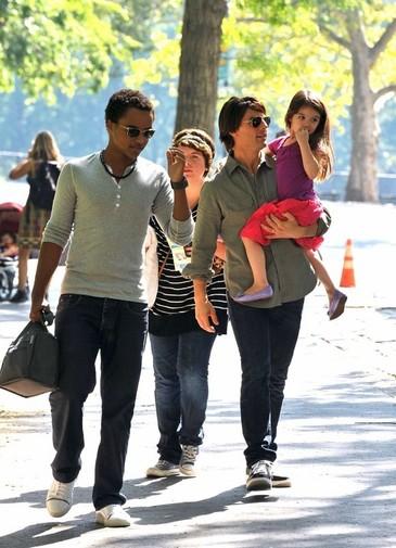Toata lumea o stie pe simpatica Suri. Cum arata in prezent ceilalti doi copii ai actorului Tom Cruise!