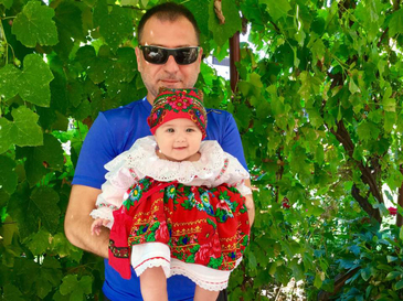 "Fiica lui Christian Sabbagh a ajuns vedeta pe Facebook. Anais si-a ales deja""meseria"": ""O sa calce pe urmele tatalui sau!"""