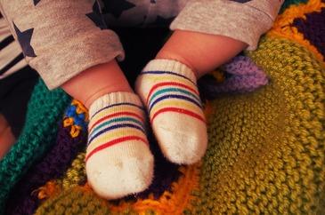De ce nu e bine sa ii punem copilului sosete cu otet atunci cand e racit?