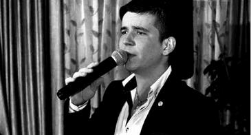 """Detalii infioratoare de la inmormantarea lui Sergiu Curca, tanarului care s-a sinucis la 22 de ani! """"Mama lui zgaria cu unghiile sicriul"""" EXCLUSIV"""