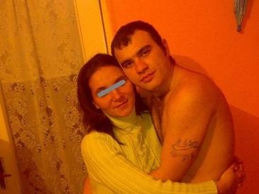 S-au implinit trei ani de la tragedia de la Rovinari, cand un barbat si cei sase copii ai lui au murit intoxicati cu gaze! Inca devastata de pierdere, mama micutilor a facut pomana la cimitir