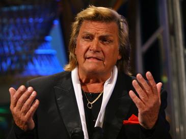 """Indragitul actor Florin Piersic a implinit, astazi, 82 de ani: """"Ursitoarele au avut grija de mine"""""""