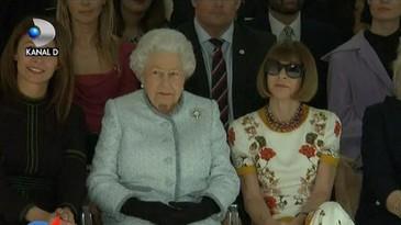Aparitie surpriza la Saptamana Modei din Londra! Ce a facut Regina Elisabeta a II-a a Marii Britanii acolo