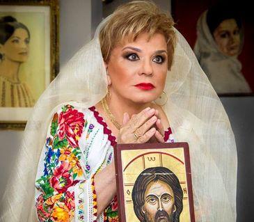 """Ionela Prodan l-a sfidat pe Adrian Paunescu si a refuzat sa cante, la Cenaclul Flacara, o melodie pe versurile poetului: """"Publicul meu nu intelege poezia dumnealui!"""""""