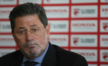 """Fiica unui celebru fotbalist a fost facuta """"parasuta de Dorobanti"""" de Cornel Dinu! Mihaela Nunweiller a reactionat vehement : """"Unul care si-a turnat colegii la Securitate!"""""""