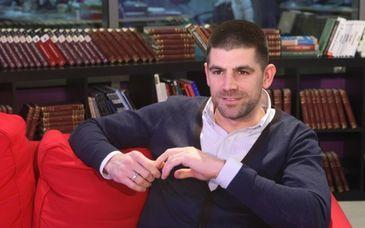 Scandal urias dupa ce Dragos Bucurenci a fost dat afara dintr-o emisiune TV dupa ce l-ar fi contrazis pe purtatorul de cuvant al BOR - Ce s-a intamplat acolo de fapt